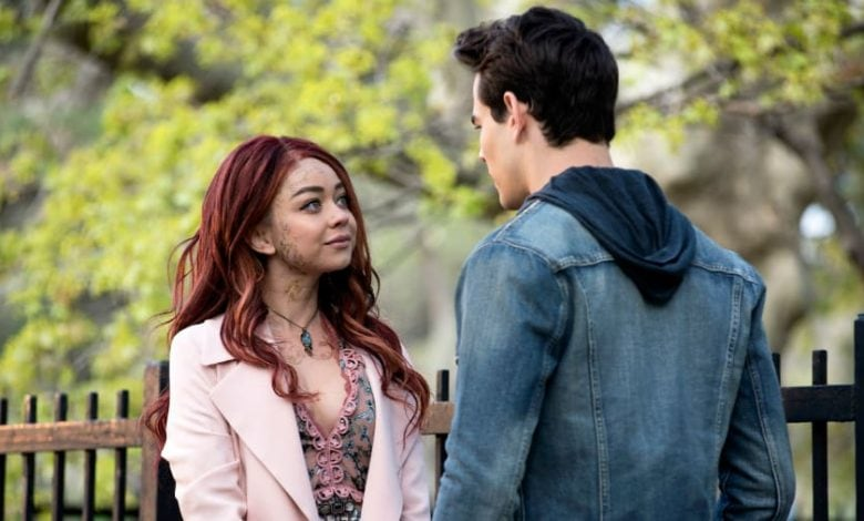 Sarah Hyland playing the Seelie Queen on Shadowhunters