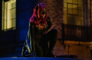 The CW's Batwoman in Elseworlds crosover
