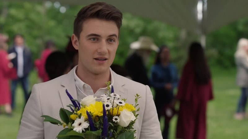 Quinn showing up to Georgie's graduation on Heartland episode 1306