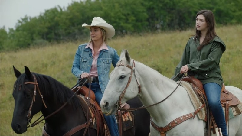 georgie and amy out for a ride on Heartland episode 1309