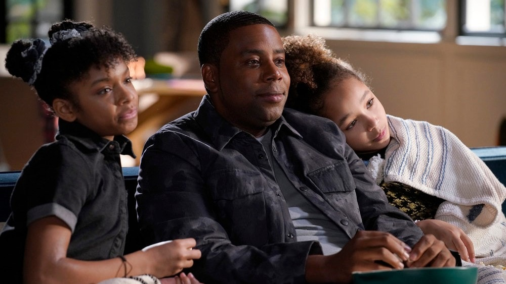 Dani Lockett and Dannah Lockett with Kenan Thompson on NBC's Kenan